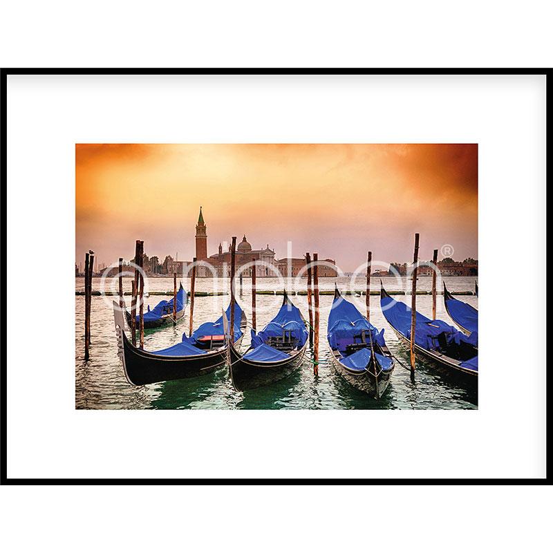 """Image encadrée """"Gondolas moored"""" avec cadre en aluminium C2"""
