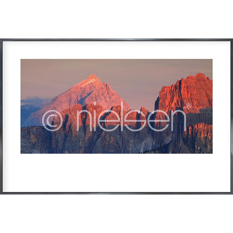 """Image encadrée """"Doloavece Alps"""" avec cadre en aluminium Alpha"""