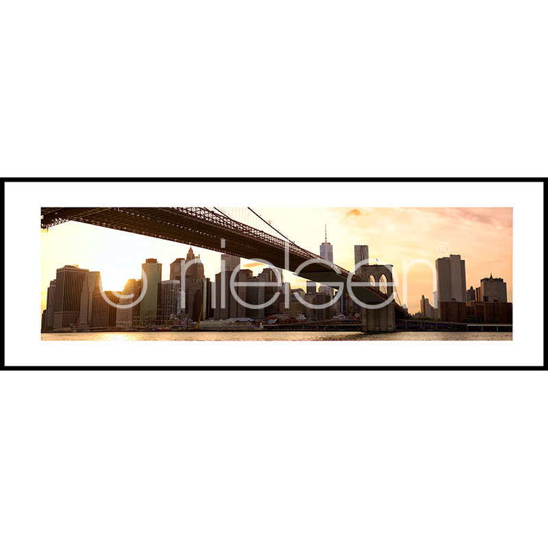"Image encadrée ""Brooklyn Bridge Sunset"" avec cadre en aluminium C2"